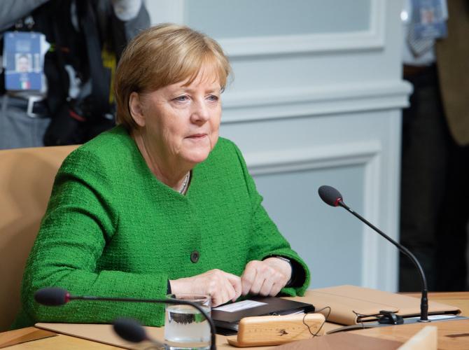 Angela Merkel avertizează asupra ''forţelor centrifuge'' în UE