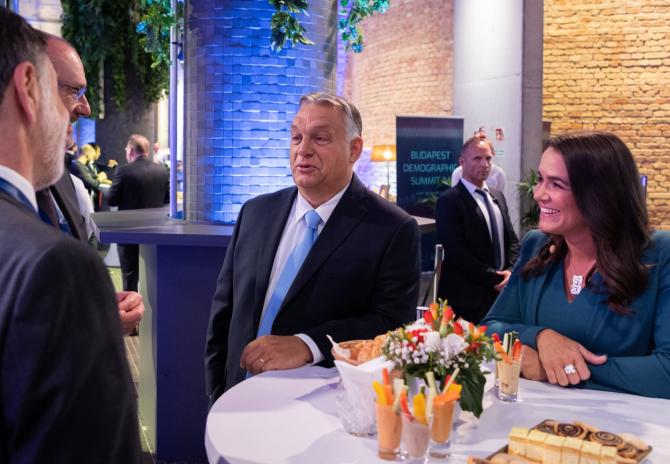 Viktor Orban a semnat o rezoluţie de sprijin faţă de Polonia.